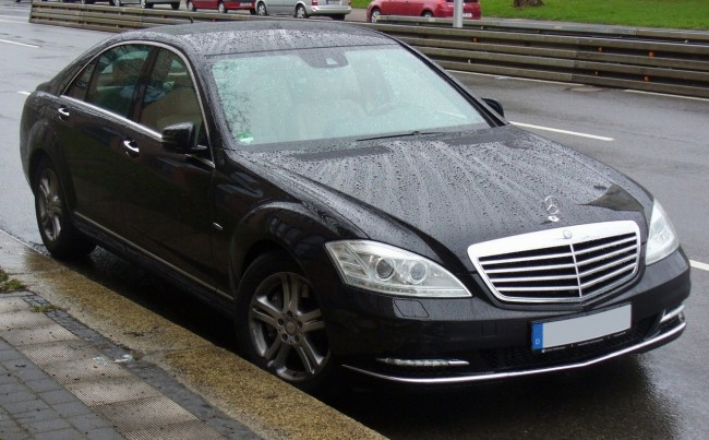 Mercedes-Benz-W221-spec