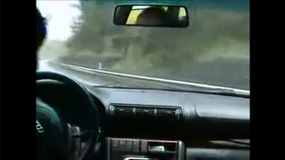 高速道路でスリップした初代アウディ・A4の超絶リカバリー! これぞアウディ・クアトロの力!