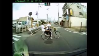 ドラレコなければ犯罪者 信号無視で車に轢かれた自転車DQN「青信号で渡ってた」