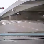 新型ポルシェ・ケイマンが強引右折で対向左折車と衝突寸前 ポルシェ効果で譲ってくれると思った???