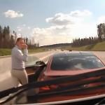 【キ◯ガイ】高速道路でBMW・M6乗りが救急車を強制停止させる愚行を撮影