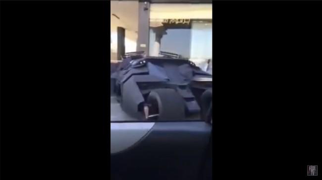 dubai-koukyusya-dealer-Batmobile